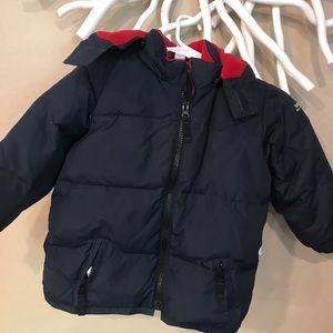 GAP navy puffer jacket with hood sz 3 years.